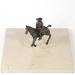 """""""…és akkor a hős a hidegvízű gázlón…"""" – Alfa és Omega (30x50x50 cm, bronz, kő, 2010)"""