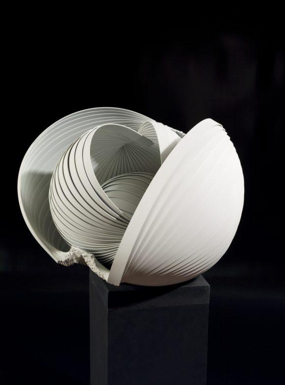Bolcso (92x56x45 cm, hagesztett acel, 2012)