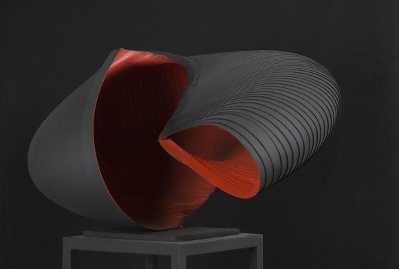Idokapszula (143x84x85 cm, festett, hegesztett acel, 2015)_eng